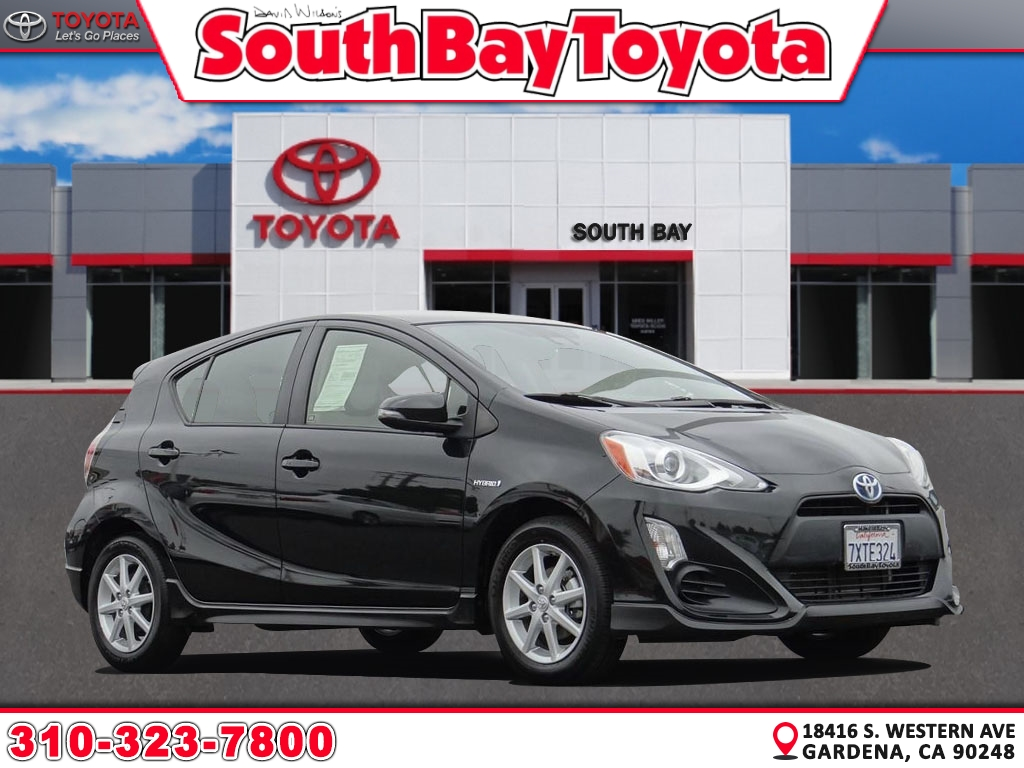Certified Pre-Owned 2017 Toyota Prius C One